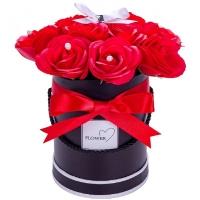 FLOWER BOX Z PACHNĄCYCH RÓŻ MYDLANYCH CZERWONY